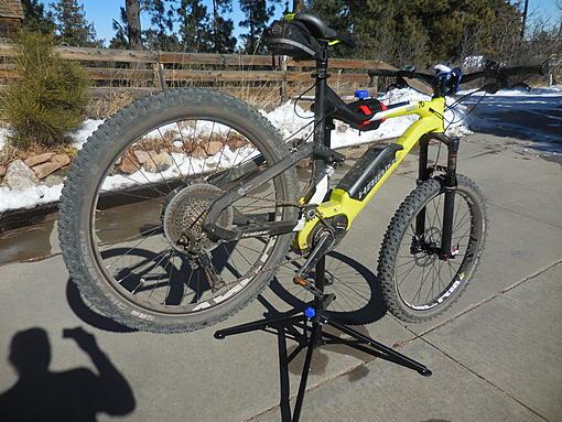 AMAZON bike stand 008.jpg