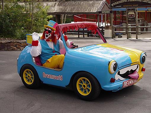 clown car dreamworld.jpg