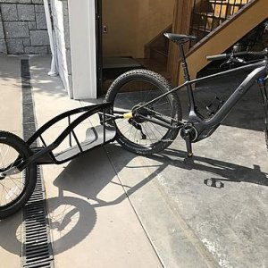 Specialized LEVO HT 6fattie with trailer.jpg