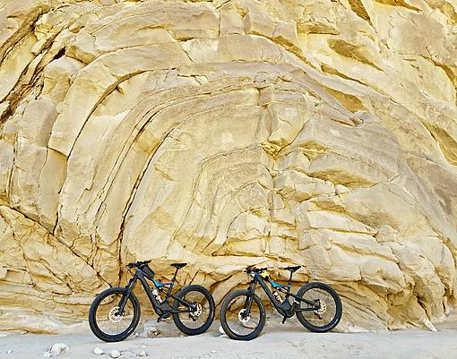 Specialized Levos posing in front of the anticline.jpg
